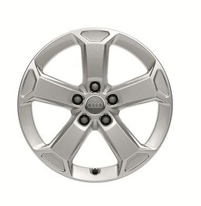 Audi Q2 Winterkomplettrad im 5-Arm-Latus-Design, brillantsilber, 7 J x 17, 215/55 R 17 94V