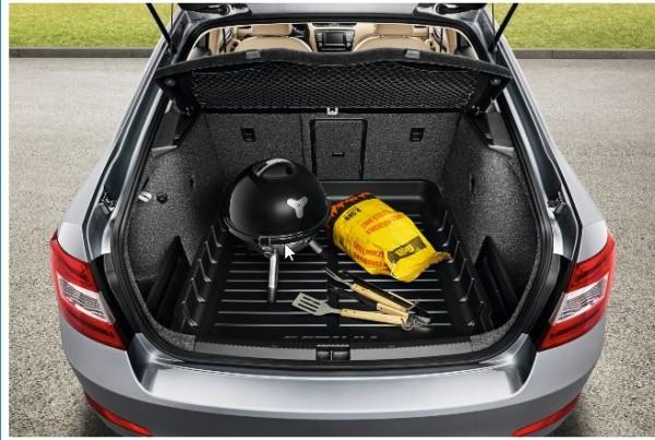 Kofferraumwanne mit erhöhtem Rand für Octavia Limosine