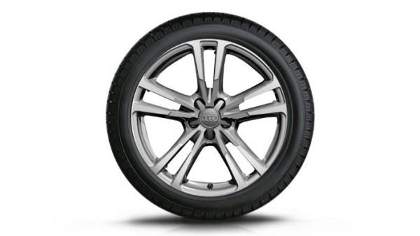 Audi S1 Winterkomplettradsatz im 5-Parallelspeichen-S-Design , brillantsilber, 7,5 J x17, 215/40 R17